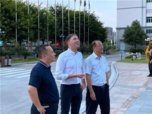 新西兰驻广州总领事馆商务参赞参观安发生物
